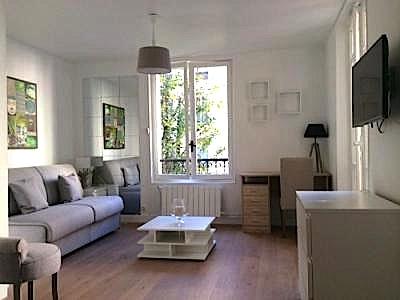 PARIS 16° – VILLAGE D'AUTEUIL – 2 ÈME ÉTAGE –  STUDIO MEUBLÉ – 34 M2