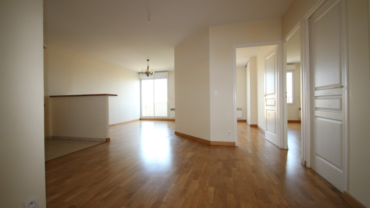 NEUILLY-PLAISANCE- 70 M2 – 2 CHAMBRES- BALCON